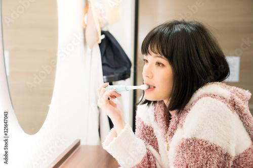 Fotografía 歯磨きをする女性