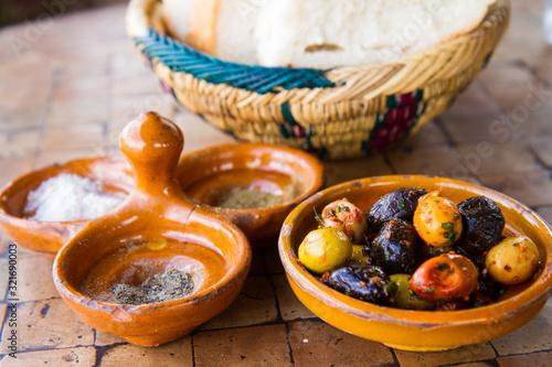Eingelegte Oliven, marokkanische Art