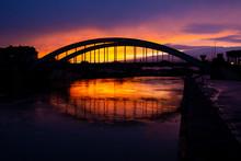 Coucher Du Soleil Sur Le Pont ...