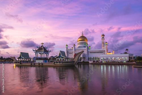 Omar Ali Saifuddien Mosque in Bandar Seri Begawan, brunei Wallpaper Mural