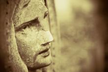 Virgin Mary. Antique Statue. P...