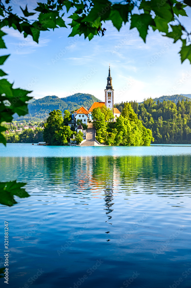 Fototapeta Travel destination Lake Bled in Slovenia