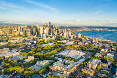 Valokuvatapetti Aerial photo of the Seattle from Queen Anne