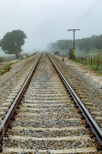 mata magnetyczna Lonely railroad track
