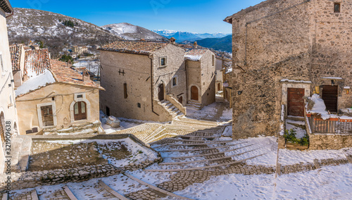 Fototapeta The beautiful village Santo Stefano di Sessanio on a winter morning