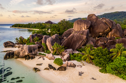 Obraz La Digue, seychelles - fototapety do salonu