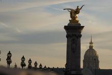 Sur Le Pont Alexandre III à Paris