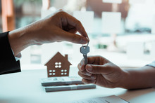 New Home Buyers Are Signing A ...