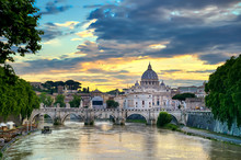 A View Along The Tiber River T...