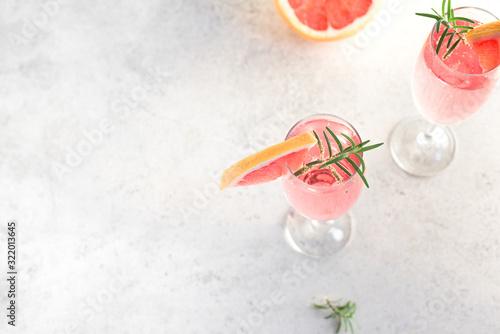 Photo Grapefruit Mimosa Cocktail