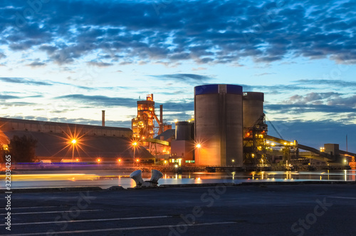 Photo Industrial area of Port Adelaide at night