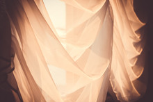 Elegant, Thin Transparent Curt...