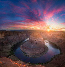 Beautiful Horseshoe Bend Sunbu...
