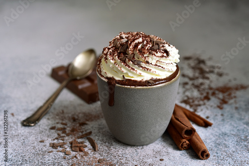 Fotografía Homemade delicious spicy hot chocolate with whipped cream.