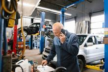 Mechanic Using Smart Phone In ...