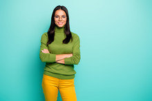 Portrait Of Her She Nice Attractive Lovely Pretty Cute Cheerful Cheery Brunet Girl Executive Manager Folded Arms Isolated Over Bright Vivid Shine Vibrant Blue Green Turquoise Color Background
