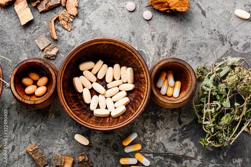 Carta da parati Herbal medicine in pill