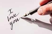 Romantic I Love You Message Ha...