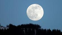 Beautiful Clear Full Moon On T...