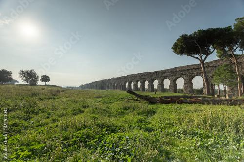 Photo Roman aqueduct