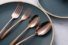 The Golden Tableware Used In T...