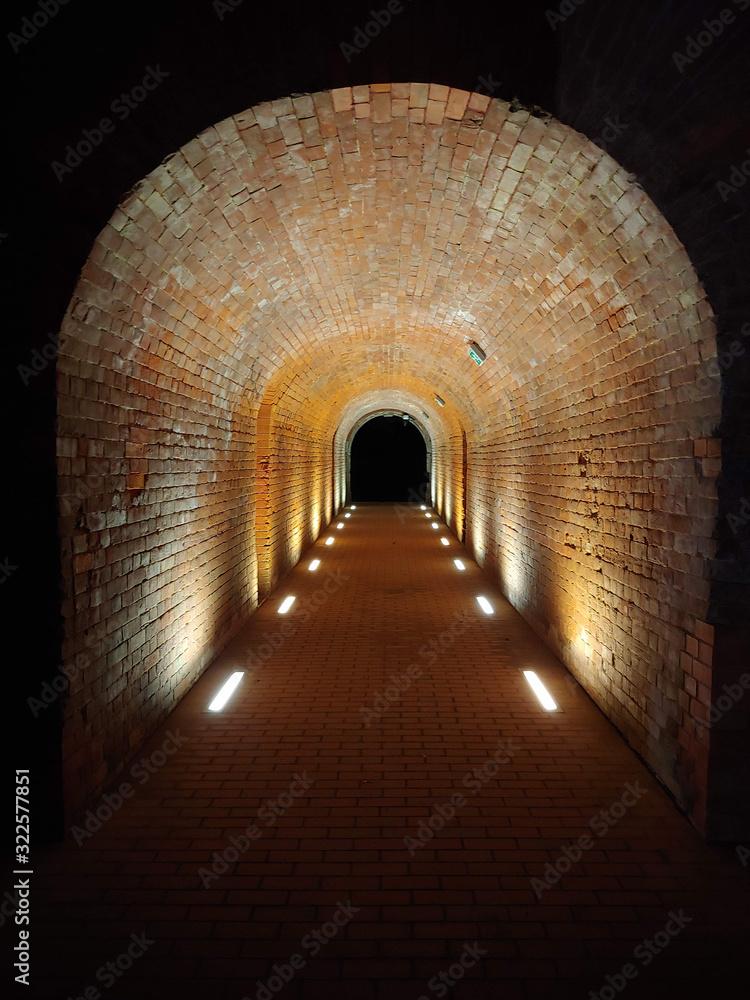 Fototapeta Zamość - przejście, tunel z cegieł