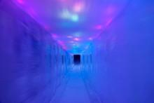 CLOSE UP: Slick Corridor Made ...