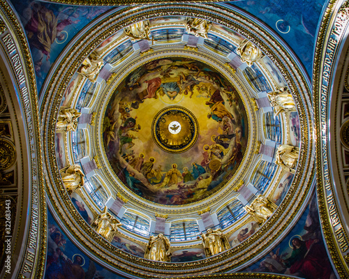 Vászonkép The main dome of St Isaac's Cathedral in St Petersburg, Russia