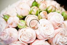 Bride Wedding Bouquet. Golden ...