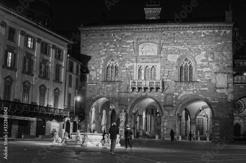 Photo ITALY, LOMBARDY, BERGAMO (CITTA ALTA) - 05