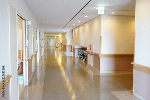 病院 病室 通路 Fototapet