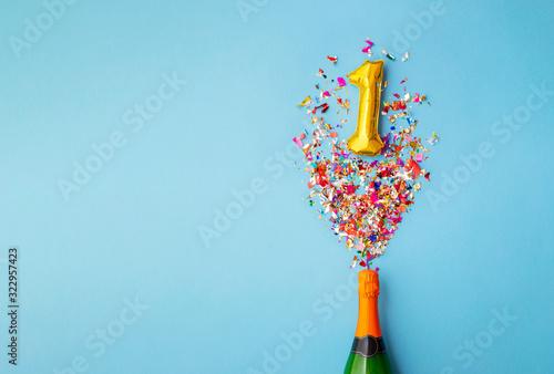 Cuadros en Lienzo 1st anniversary champagne bottle balloon pop