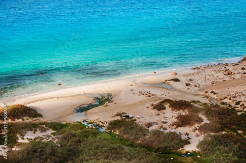 Photo Top view from a sand dune on the coast of the Indian Ocean