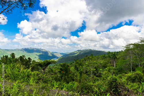 Photographie Cuba, Escambray Mountains from the Hanabanilla Look Out