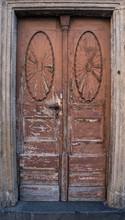 Worn Out Ornate Brown Doorway ...