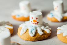 Melting Snowman Gingerbread Fo...