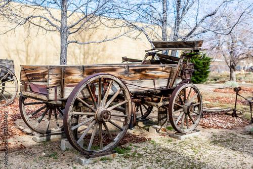 Fototapety, obrazy: rustic farm equipment