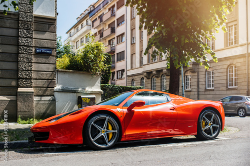 Photo STRASBOURG, FRANCE - MAY 28, 2018: City parking with expensive luxury Ferrari ca