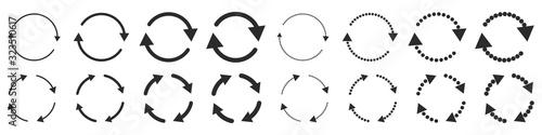 Fotografia Set of black circle vector arrows isolated