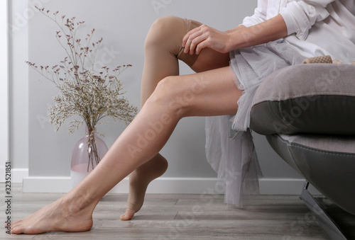 Fotografía Varicose vein laser surgery recovery and prevention, Compression Stockings Thigh