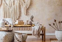 Stylish Oriental Living Room W...