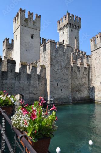 Obraz na płótnie Beautiful castle  Sirmione Garda lake Italy Europe