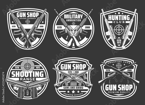 Cuadros en Lienzo Guns and ammo shop, hunting sport club and shooting range vector badges