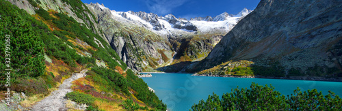 Photo Gelmer Lake near by the Grimsel pass in Swiss Alps
