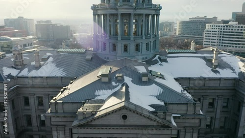 Stampa su Tela 4k Aerial drone footage - Colorado State Capitol Building & the Skyline of the City of Denver Colorado at Sunset
