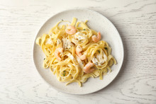 Delicious Pasta With Shrimps O...