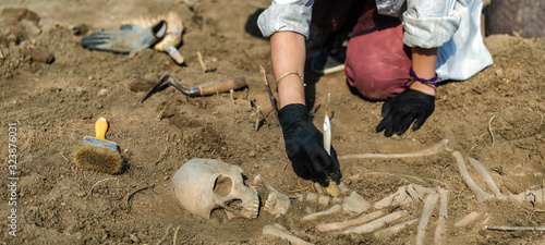 Photo Archaeology – Exhumation of an Ancient Human Skeleton
