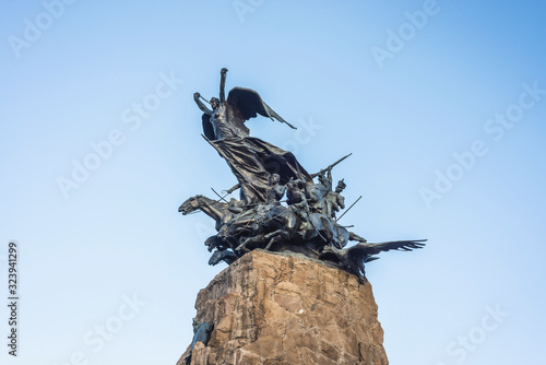 Photo Cerro de la Gloria monument in Mendoza, Argentina.