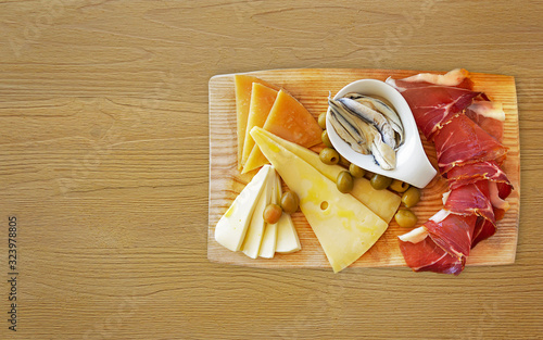 Fototapeta Croatian traditional food, Dalmatian plate