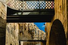 Malta, Valletta Bridge